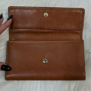 Dooney & Bourke Bags - Dooney & Bourke leather Wallet